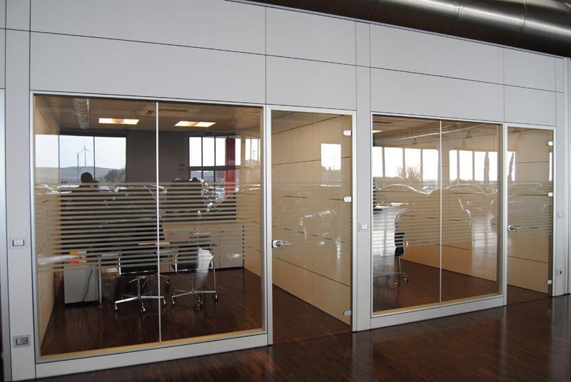 Pareti divisorie per ufficio svizzera fgm giambellini for Pareti per ufficio
